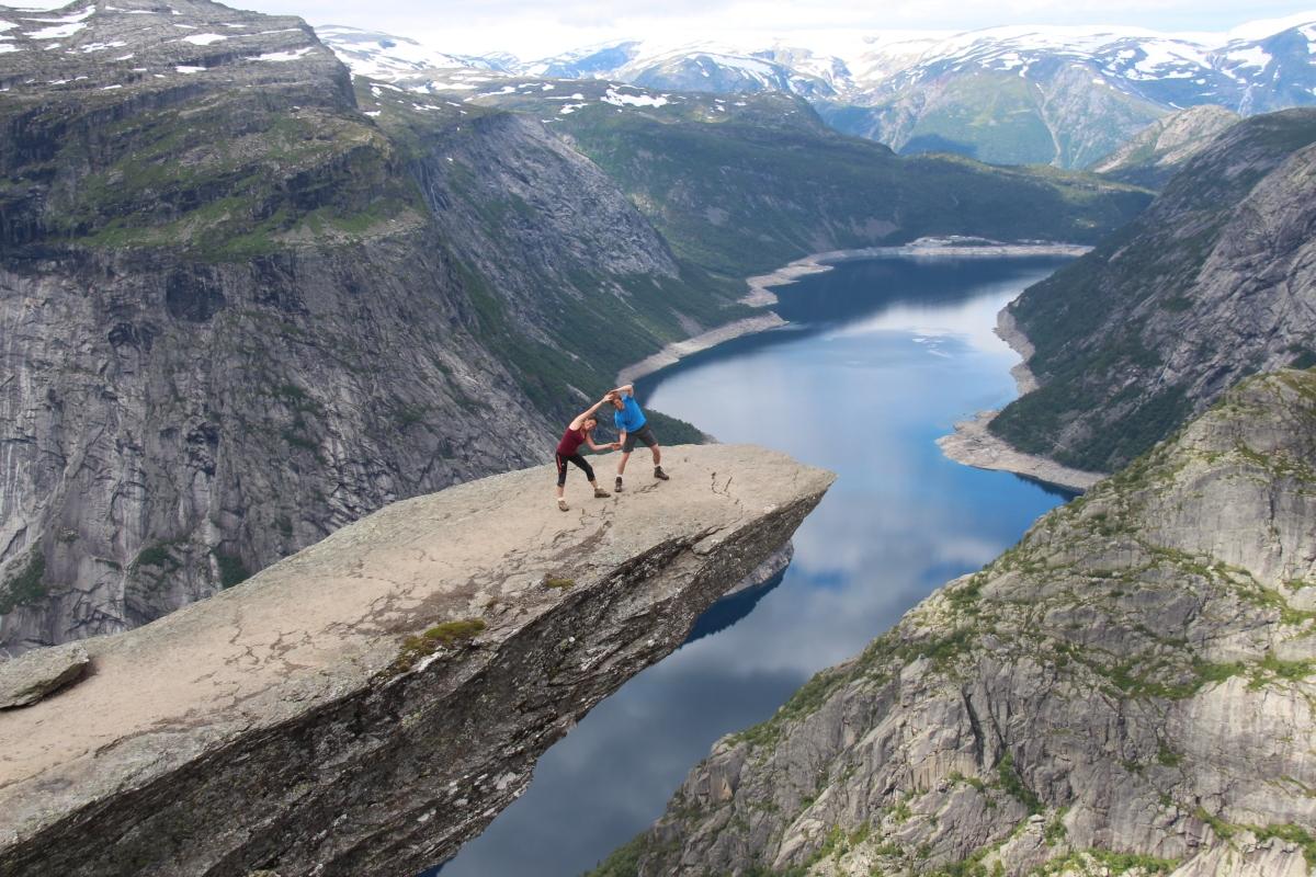 """Conseils pratiques pour ne pas te faire """"trolltunger"""" au Trolltunga en Norvège."""